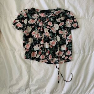 Forever 21 Floral crop top HARDLY WORN can fit S